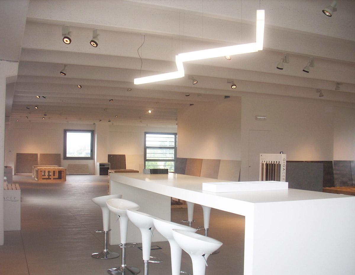 progetto lighting design Gigacer, negozio lampadari Progetto Luce